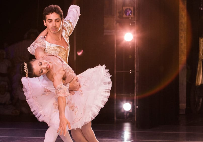 Olympic Ballet Theatre is seeking for male and female dancers - audition