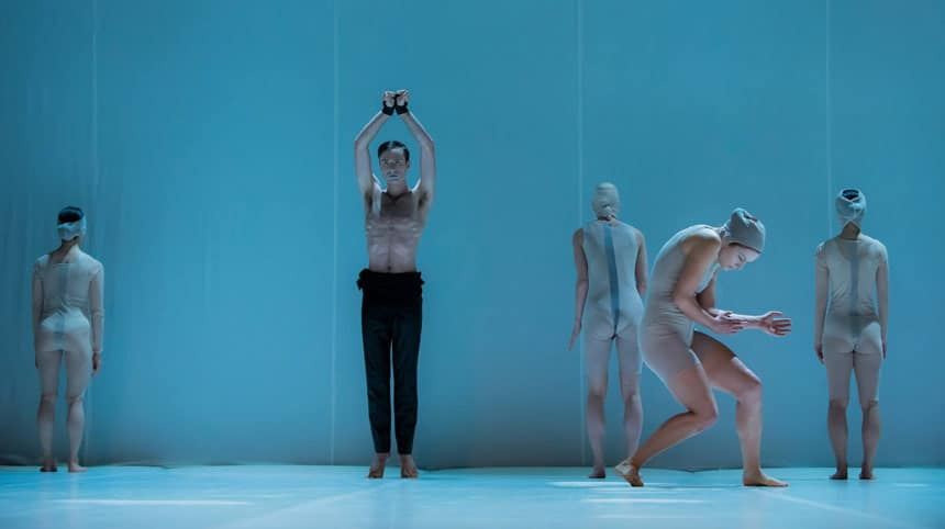 AURA dance theatre is seeking one male and one female dancer - audition