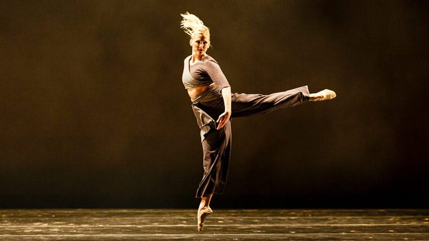 Dayton Contemporary Dance Company is seeking one female dancer - audition