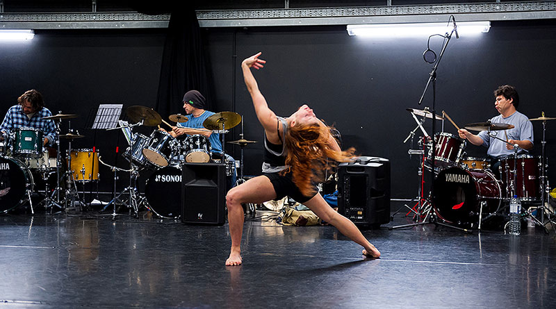 Joss Arnott Dance Seeks a Professional Female Dancer to Join the Company